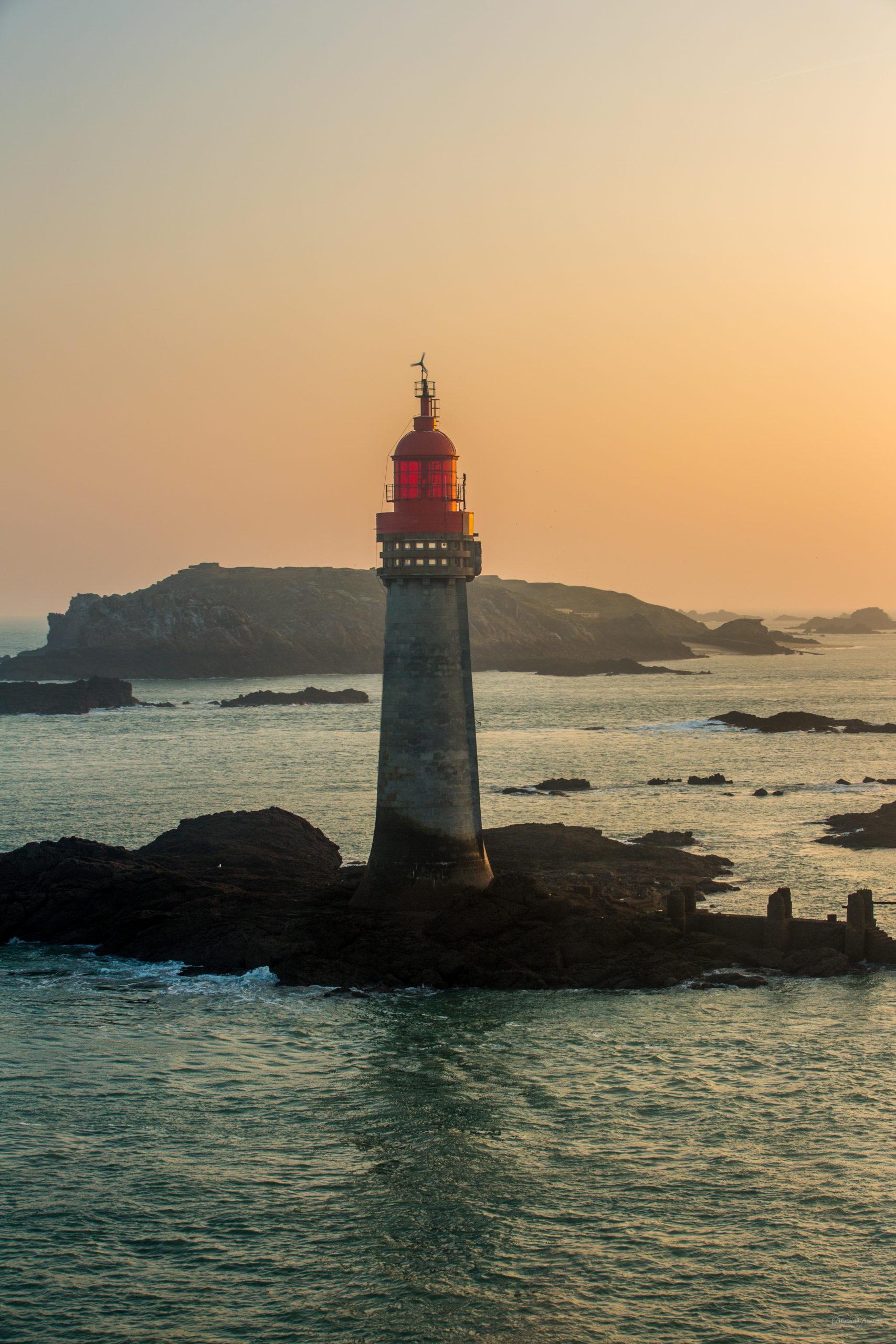 phare rouge grand-jardin saint-malo levé-du-jour
