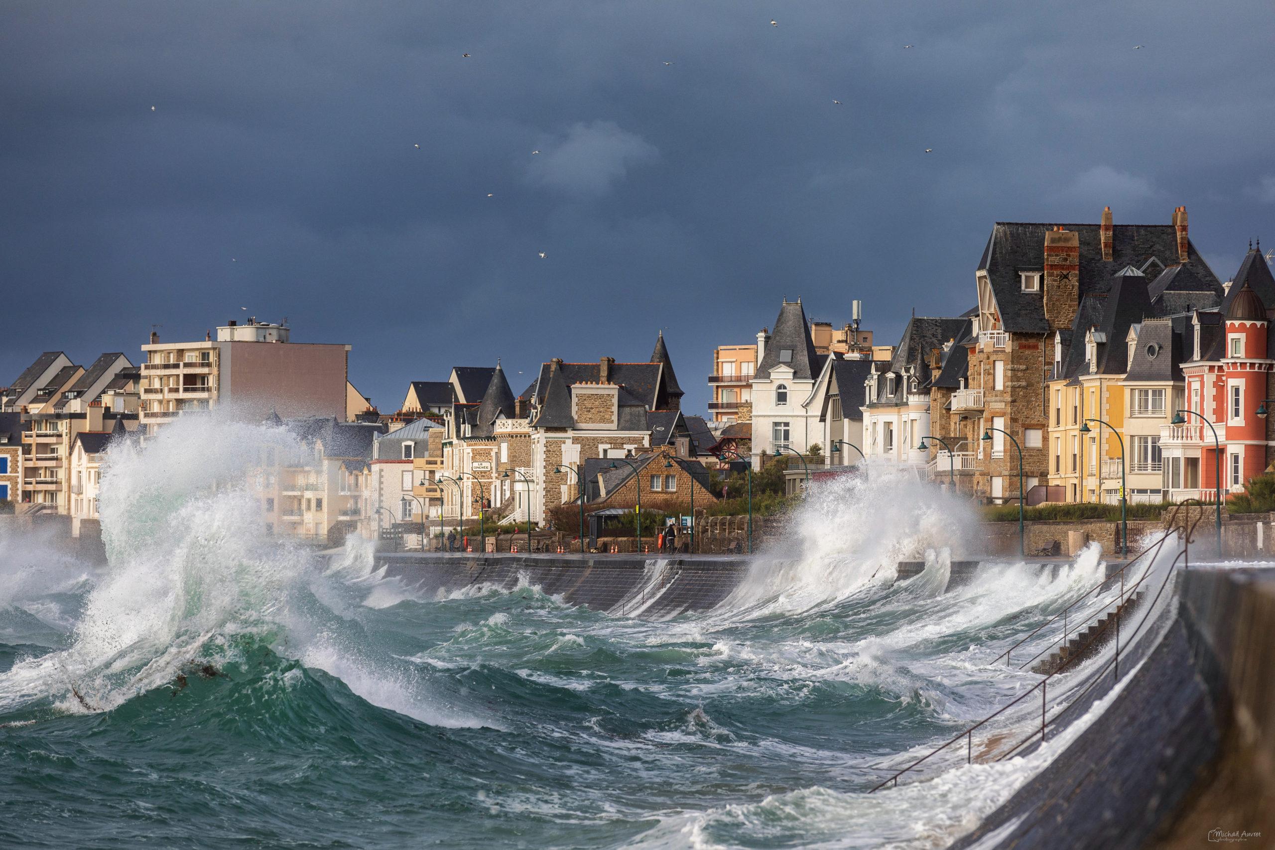 vagues tempete ressac orage digue