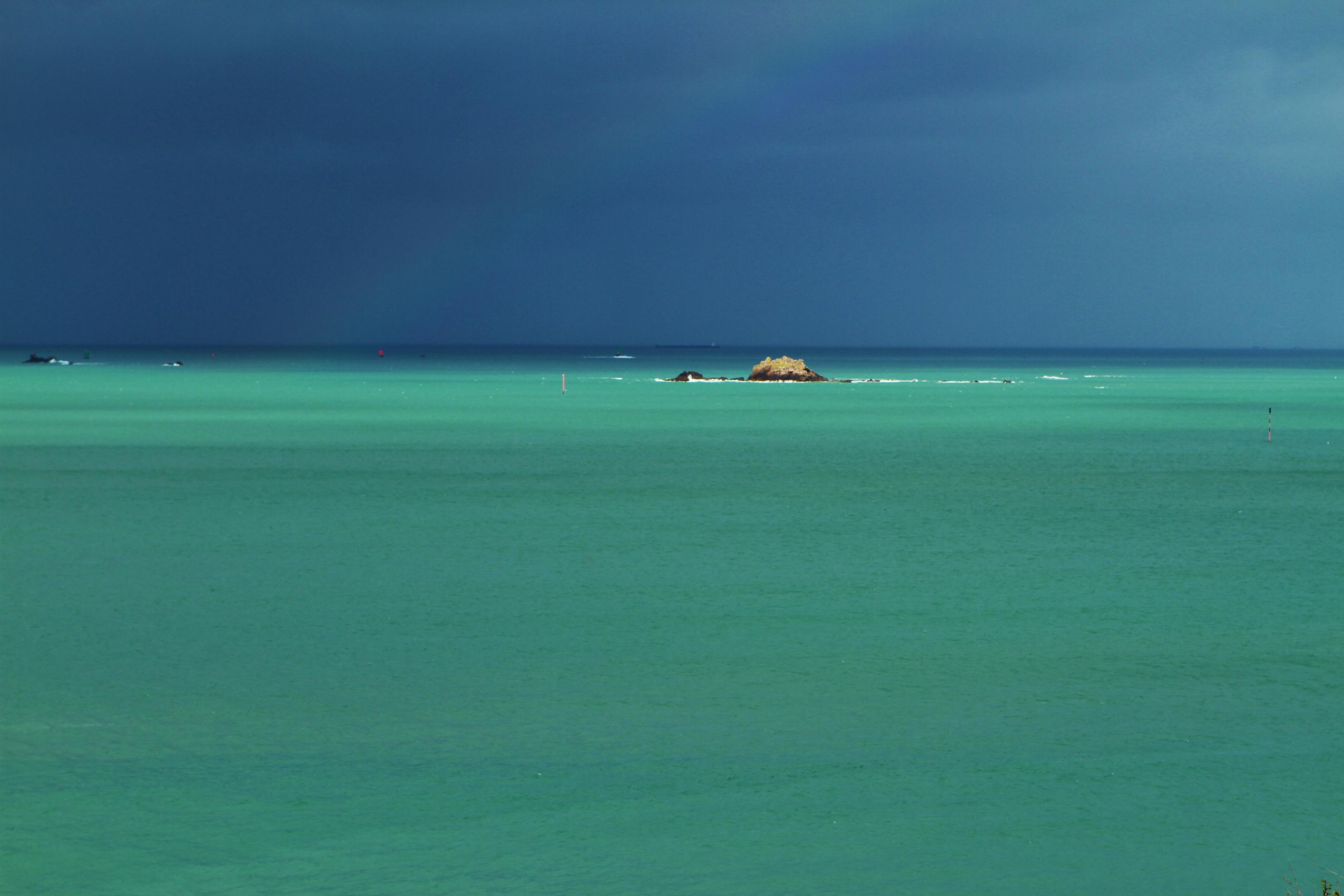 orage vert émeraude fourberie plage Saint-Lunaire