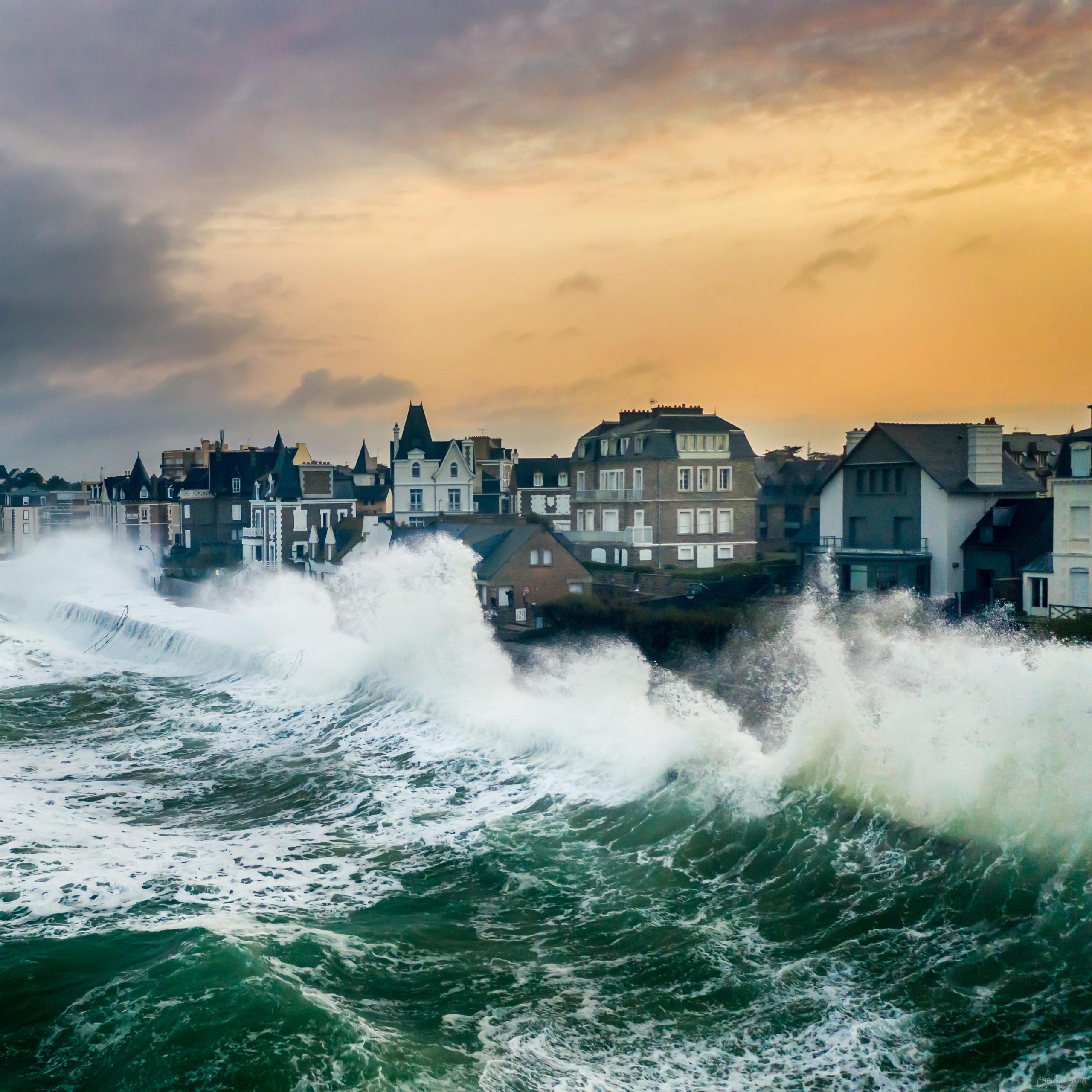 digue sillon saint malo tempête grande marée