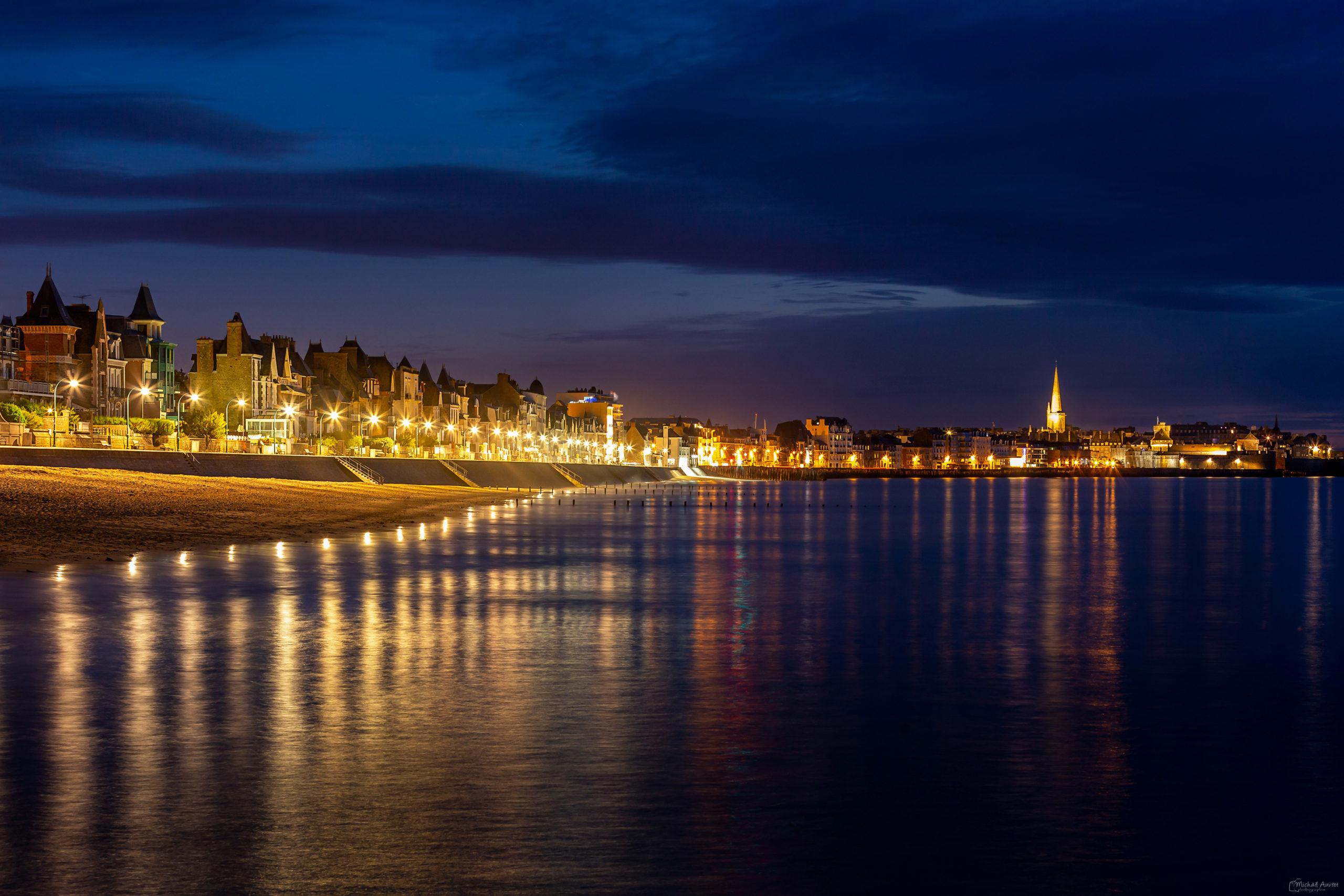 heure bleue sur sur sillon saint-malo sillon nuit lumière reflet