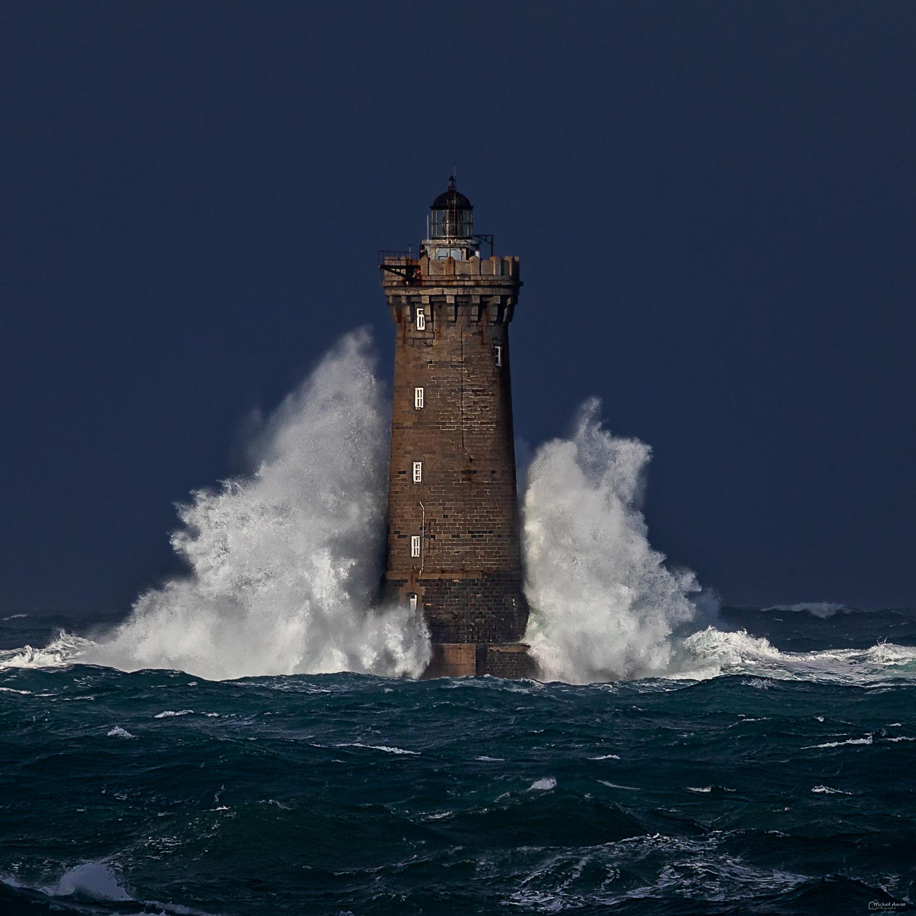 phare four tempete Bretagne nord